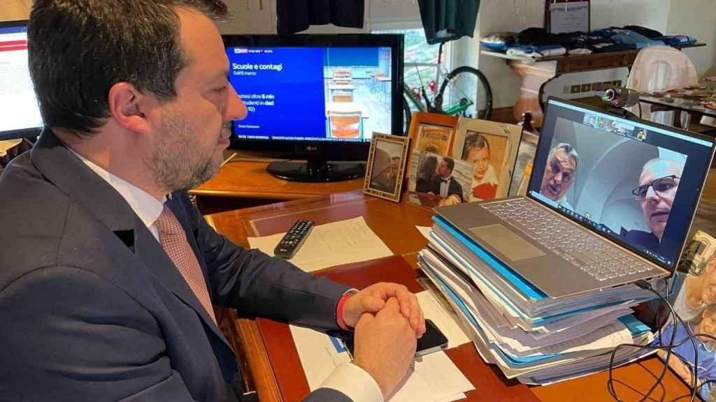 El líder de La Liga, Matteo Salvini, durante su conversación virtual con Viktor Orbán esta semana