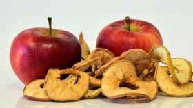 Unas manzanas deshidratadas.