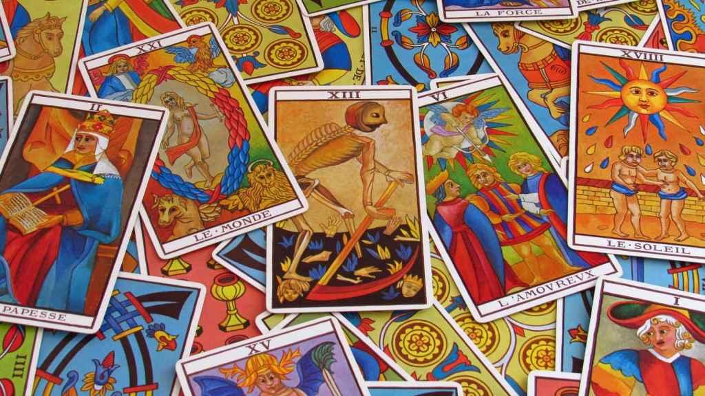 Cómo leer las cartas del tarot sin saber