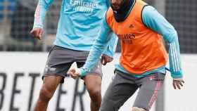 Benzema se entrena con el Real Madrid