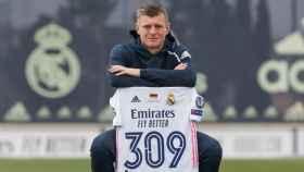 Toni Kroos con su camiseta de 309 partidos