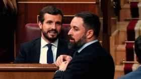 El presidente del PP, Pablo Casado, y el de Vox, Santiago Abascal, en el Congreso.