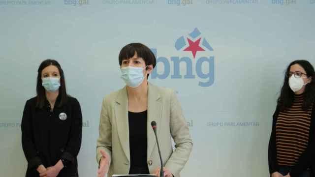 La portavoz nacional del BNG, Ana Pontón, junto a las diputadas Olalla Rodil y Noa Presas.