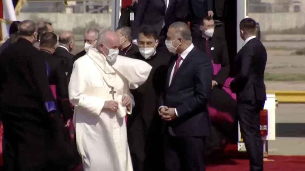 El papa Francisco a su llegada a Irak.