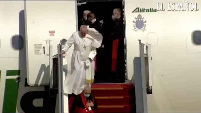 El papa Francisco aterriza en Irak para una visita histórica de tres días
