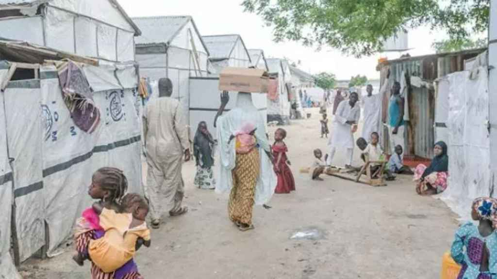 Varios desplazados por la violencia en una imagen de archivo.