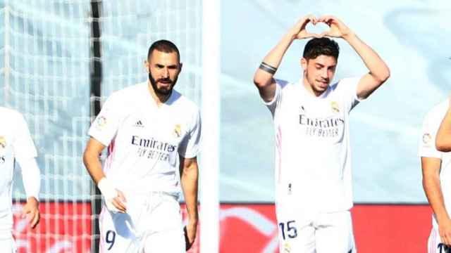 Karim Benzema y Fede Valverde, durante un partido con el Real Madrid