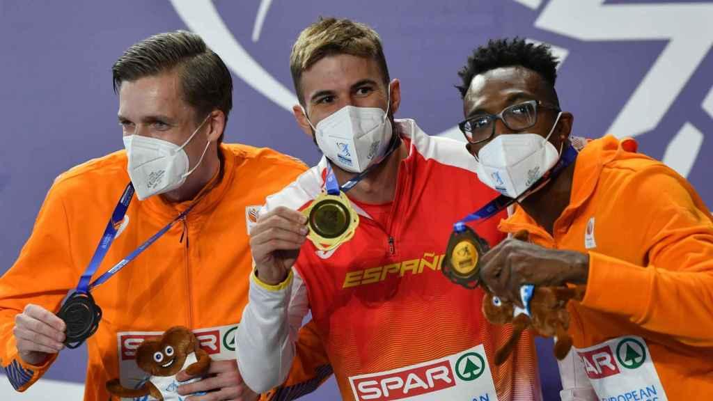 Tony van Diepen, Óscar Husillos y Liemarvin Bonevacia, con sus medallas en el Europeo de Torun