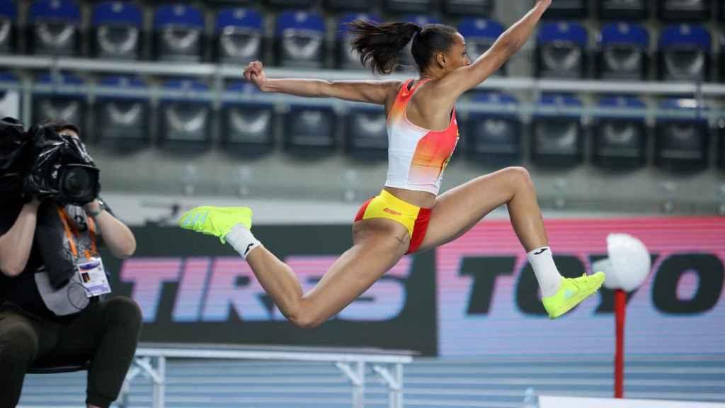 Ana Peleteiro en su prueba de triple salto en los Campeonatos de Europa de atletismo de Torun 2021