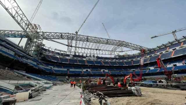 Las obras del Estadio Santiago Bernabéu, a pie de césped: así se ve desde dentro la gran reforma