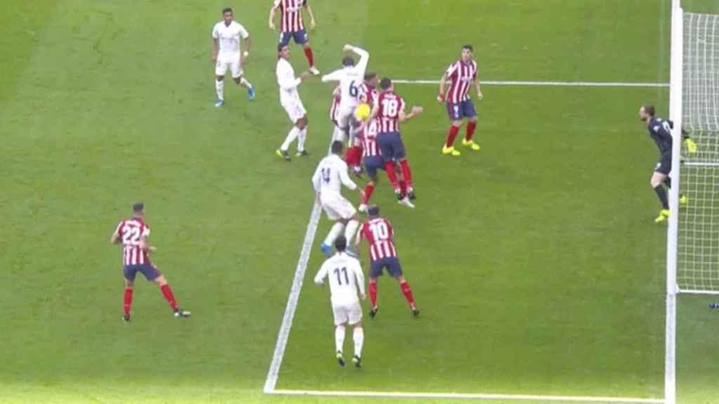 Penalti no pitado a favor del Real Madrid