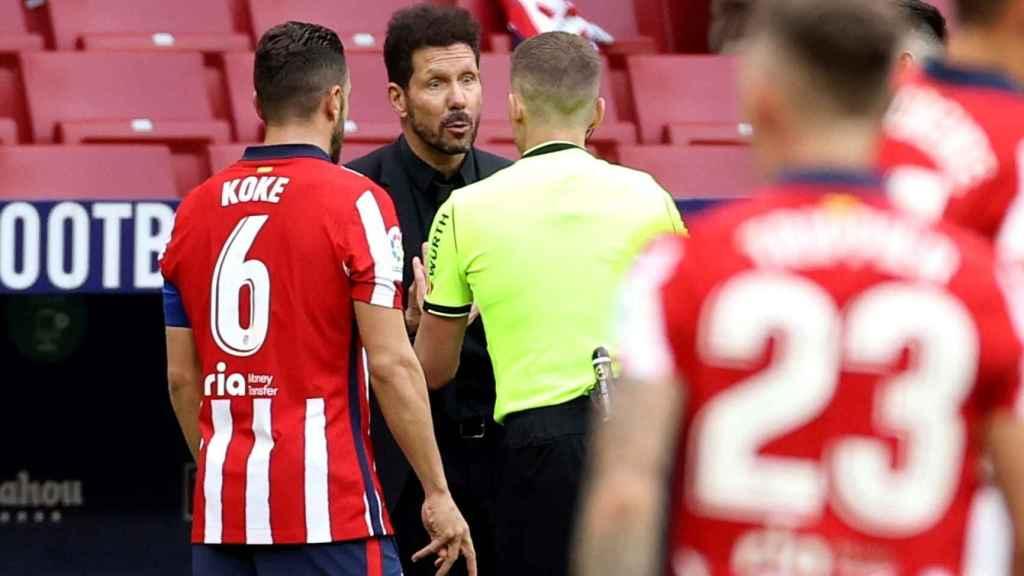 Hernández Hernández habla con el 'Cholo' Simeone