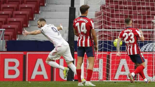 Karim Benzema celebra el gol del empate al Atlético de Madrid