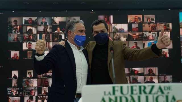 El presidente del PP andaluz, Juanma Moreno, con el de Málaga, Elías Bendodo.