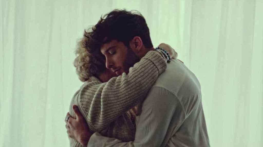 Fotograma del videoclip de 'Voy a quedarme'.