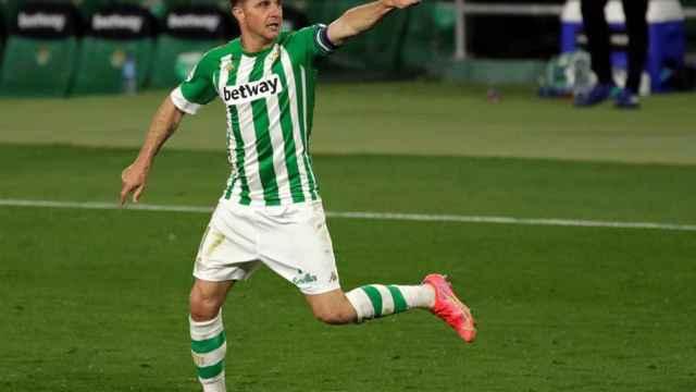 Joaquín Sánchez celebra su gol con el Betis ante el Alavés