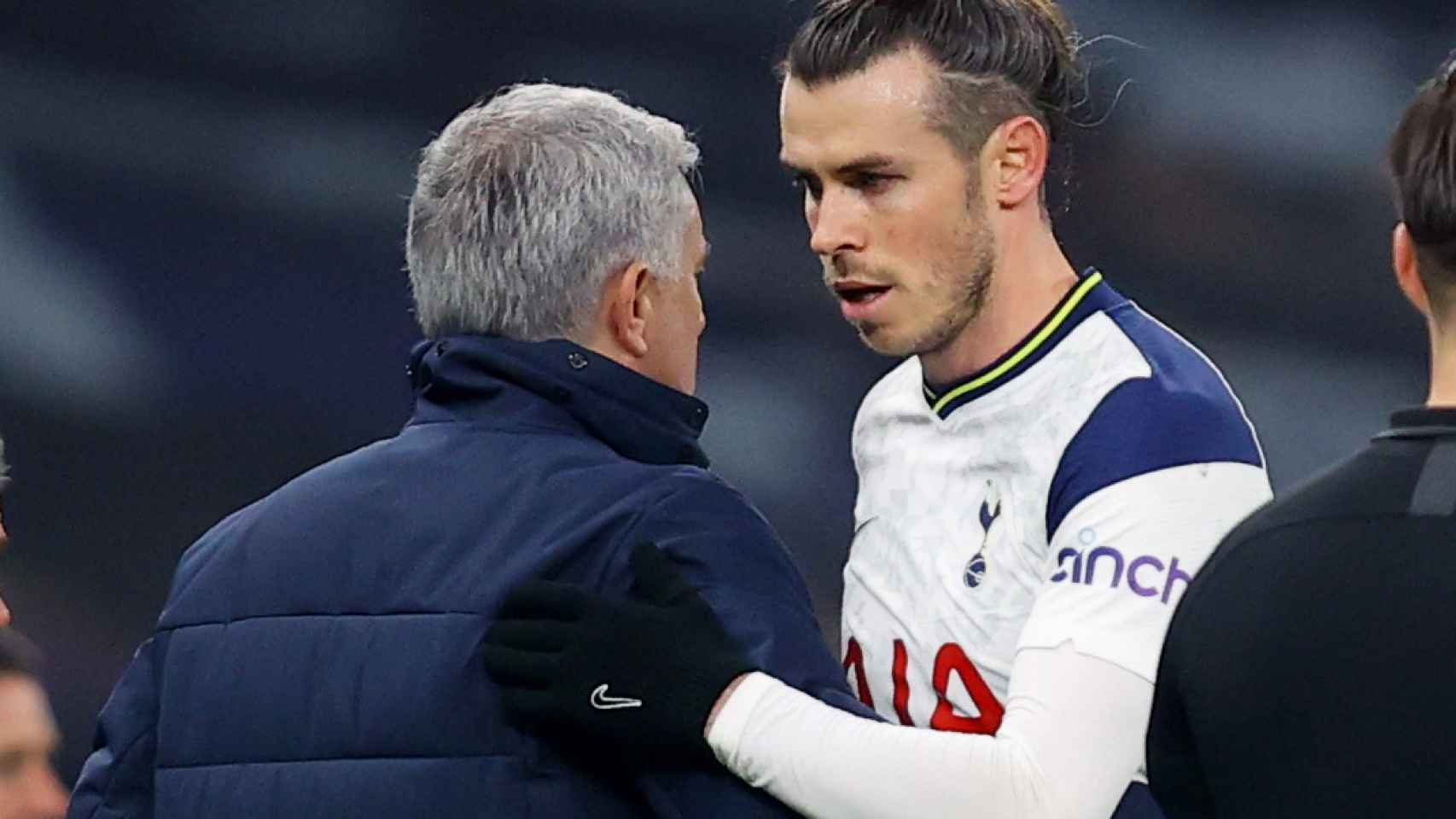 Gareth Bale y José Mourinho, durante el partido entre el Tottenham y el Crystal Palace