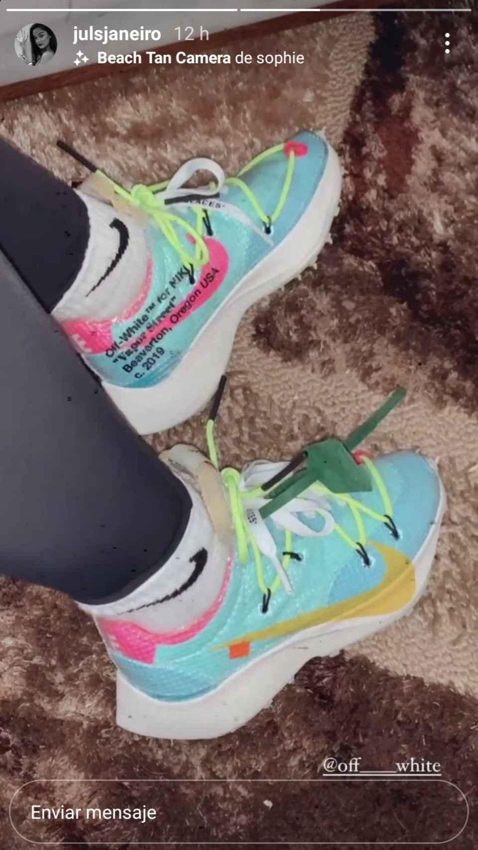 Estas son las exclusivas zapatillas que Julia utiliza para acudir al gimnasio.