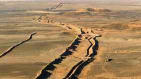 El muro que separa Marruecos del Frente Polisario.