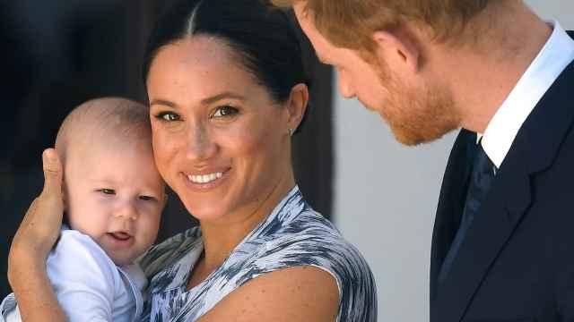 Los duques de Sussex junto a su hijo, Archie.