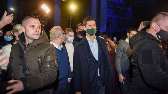 Las imágenes del mundo del deporte: Djokovic la lía con una fiesta multitudinaria en Belgrado