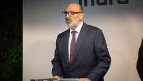 El presidente de Indra, Fernando Abril – Martorell durante la inauguración de un centro tecnológico en la localidad barcelonesa de Sant Joan Despí.