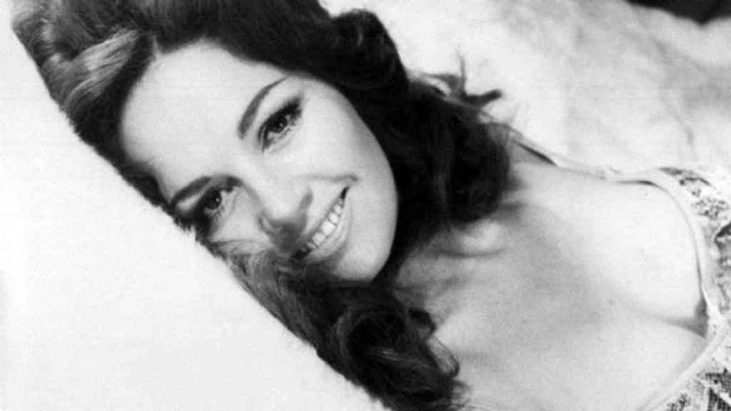 Muere Isela Vega, poderosa actriz y primera mujer latina en posar para ' Playboy', a los 81 años