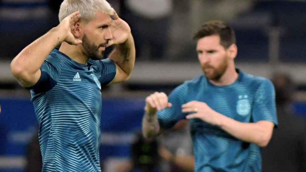Kún Agüero y Messi, con la selección de Argentina
