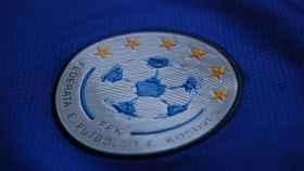 El escudo de la Federación de Fútbol de Kosovo. Foto: Twitter (@kosovanfooty_EN)
