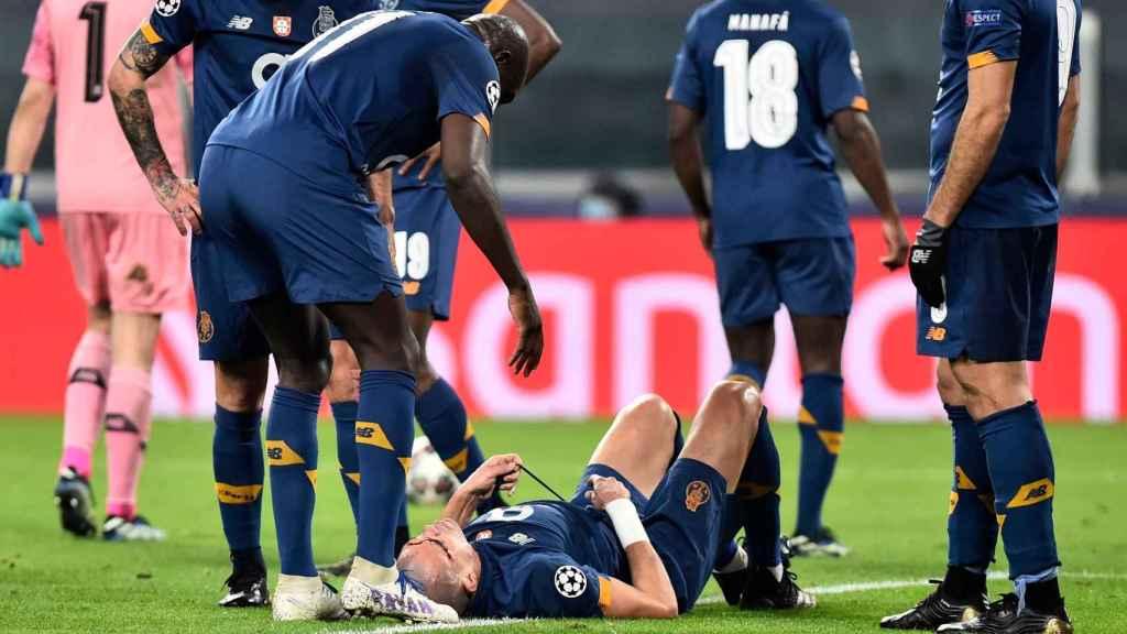 Pepe, tendido en el suelo durante el partido ante la Juventus