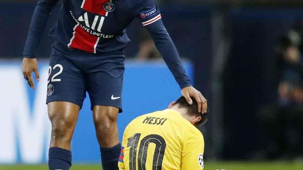 Abdou Diallo consuela a Leo Messi