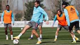 Vinicius Junior, Eden Hazard, Luka Modric y Karim Benzema, durante un entrenamiento del Real Madrid