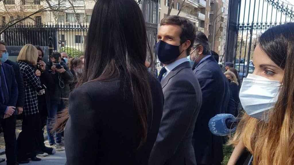 Begoña Villacís y Pablo Casado este jueves en el acto del 11-M.