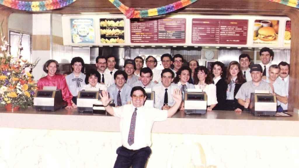 Los primeros trabajadores de McDonald's en España en una imagen de archivo.