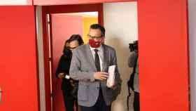 El secretario general del PSOE de Murcia, Diego Conesa, antes de comparecer para anunciar la moción de censura.