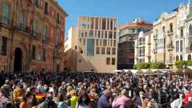 Plaza del Cardenal Belluga de Murcia durante la rueda de prensa de Santiago Abascal.