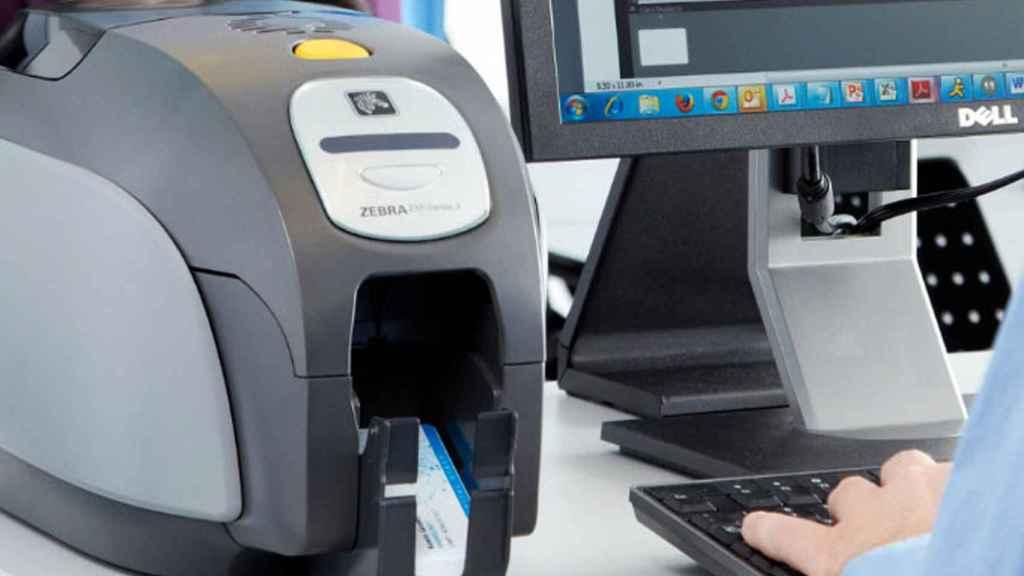 Los equipos de Zebra y la tecnología de IOTA permiten la emisión del certificado digital para soportes físicos y digitales, y su verificación posterior.