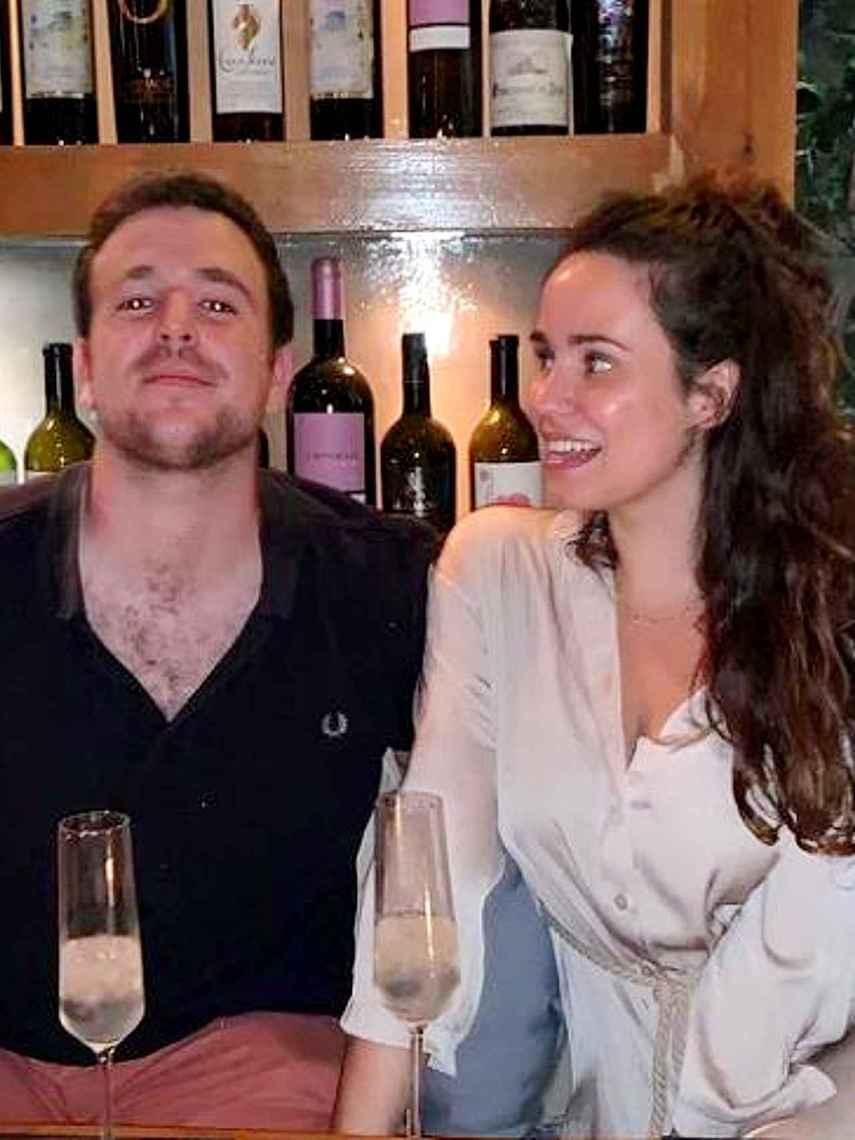 Álex Lequio y Carolina Monje se mostraban muy enamorados en las redes.