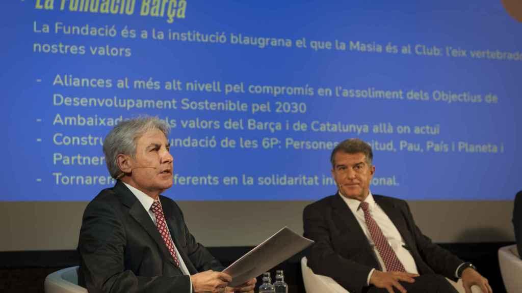Escudero con Laporta, durante uno de los actos de campaña del nuevo presidente barcelonista.