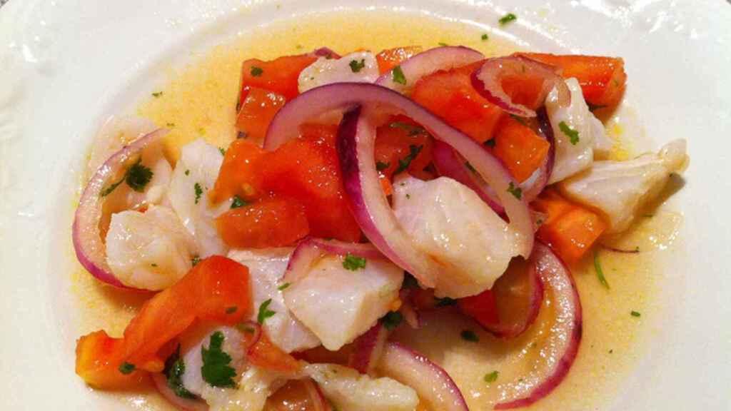 El plato que mejor saber preparar Fabiola Martínez es el ceviche.