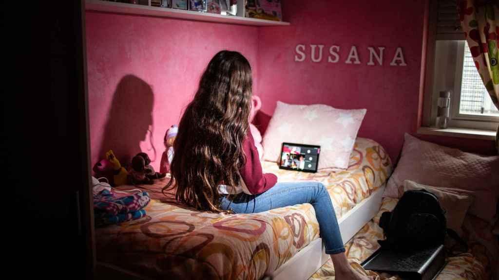 Susana tiene 14 años y durante el confinamiento no podía seguir la clases por no tener ni ordenador ni internet en casa.