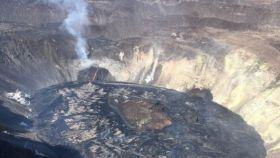 Foto de archivo de un volcán en erupción.