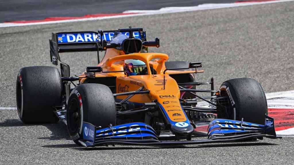 Ricciardo con su nuevo McLaren en los test de Bahrein