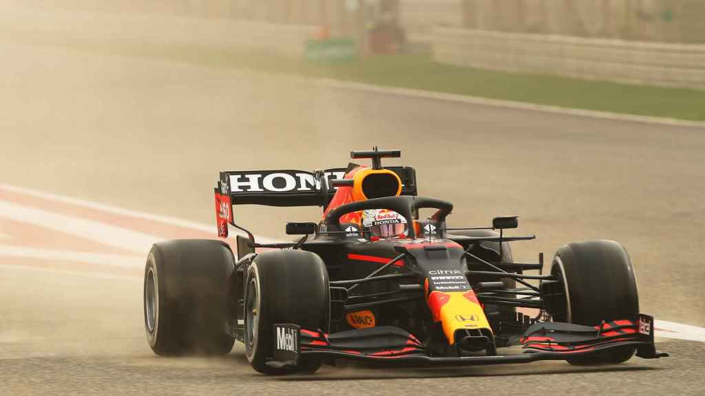 Verstappen durante los test oficiales de Bahrein