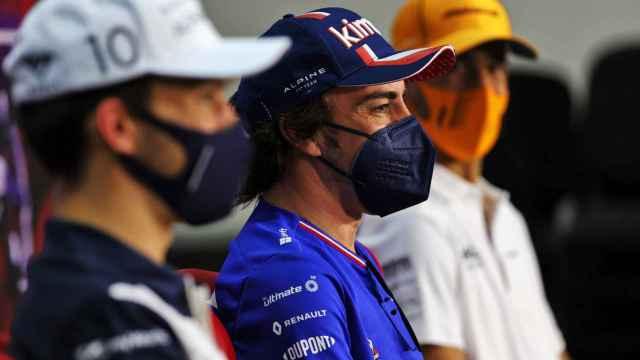 Fernando Alonso, Ricciardo y Gasly en la rueda de prensa de los test de Bahrein de F1