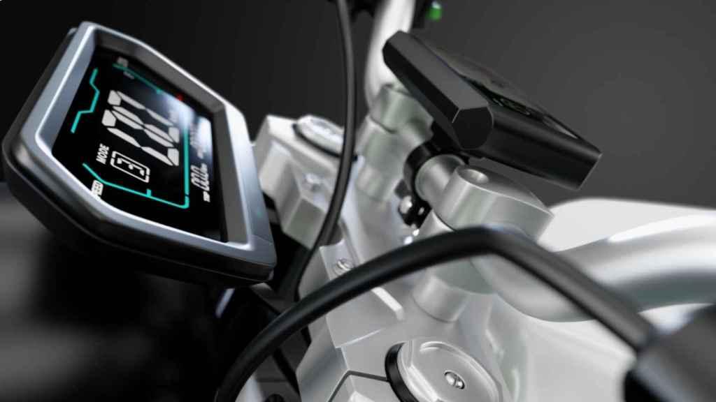 La pantalla impermeable de la moto.