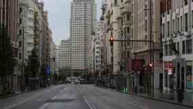 La Gran Vía de Madrid, vacía durante el confinamiento.