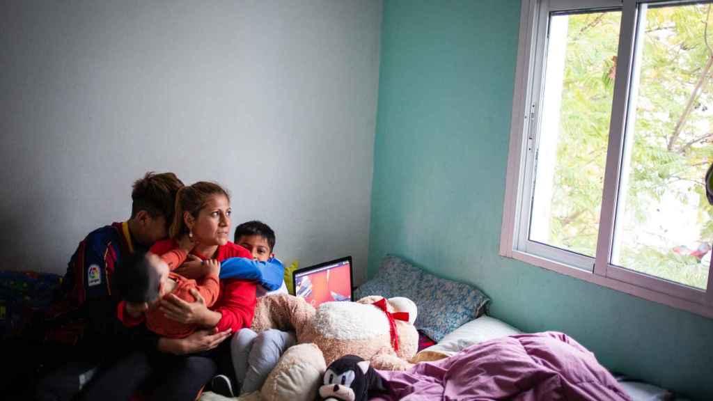Rosibel llegó a España de Ecuador a los 17 años. Con 25 se vio viuda y con tres hijos.