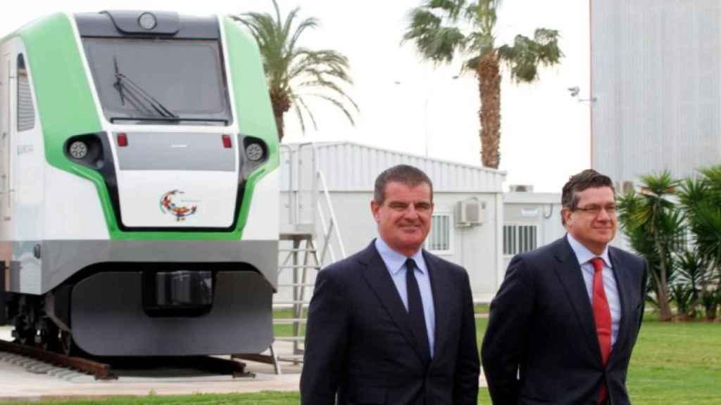 Peter Spuhler, presidente de Stadler Rail, e Íñigo Parra, presidente de Stadler Valencia.