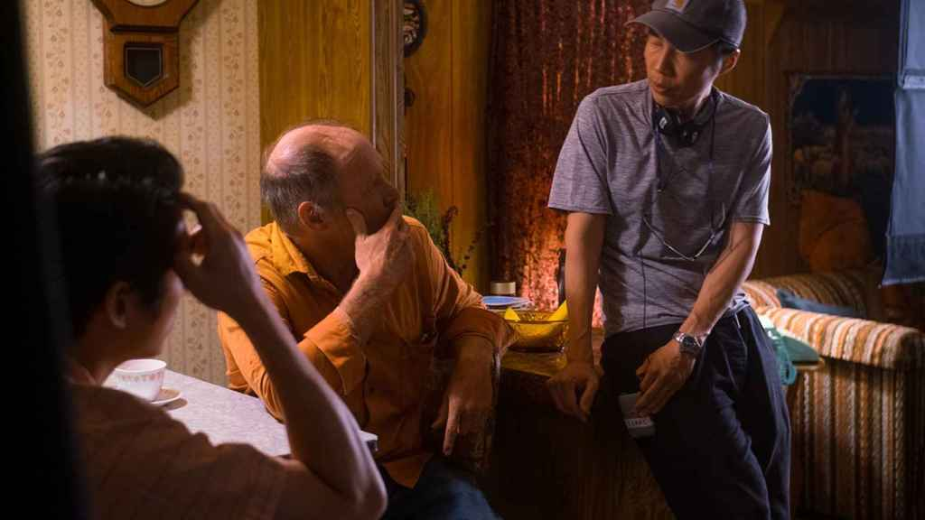Lee Isaac Chung en el rodaje de 'Minari'.
